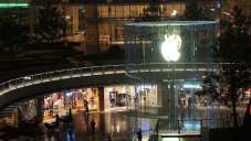 Slowdown Controversy Unlikely To Throttle Apple Stock. Upside Remains.